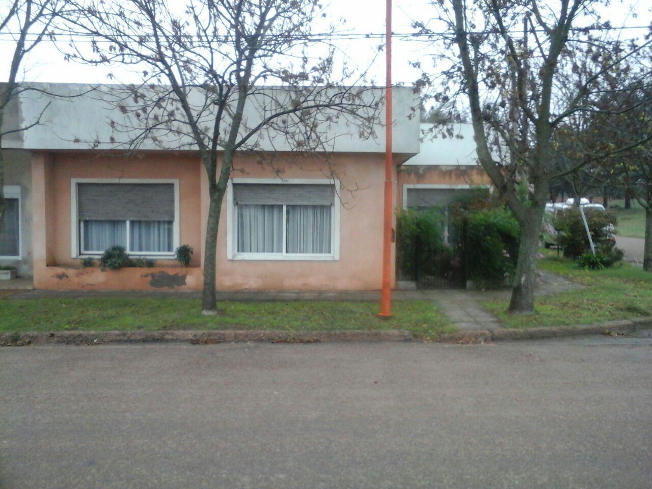 CASA CON GALPÓN EN HERMOSA Y SOLEADA UBICACIÓN